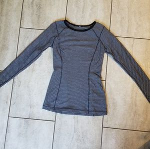 Lululemon Long Sleeved Fitted Top